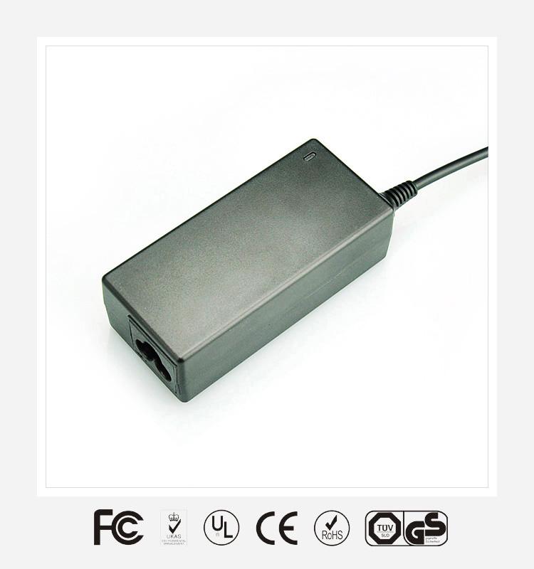 12V2.5A优质电源适配器