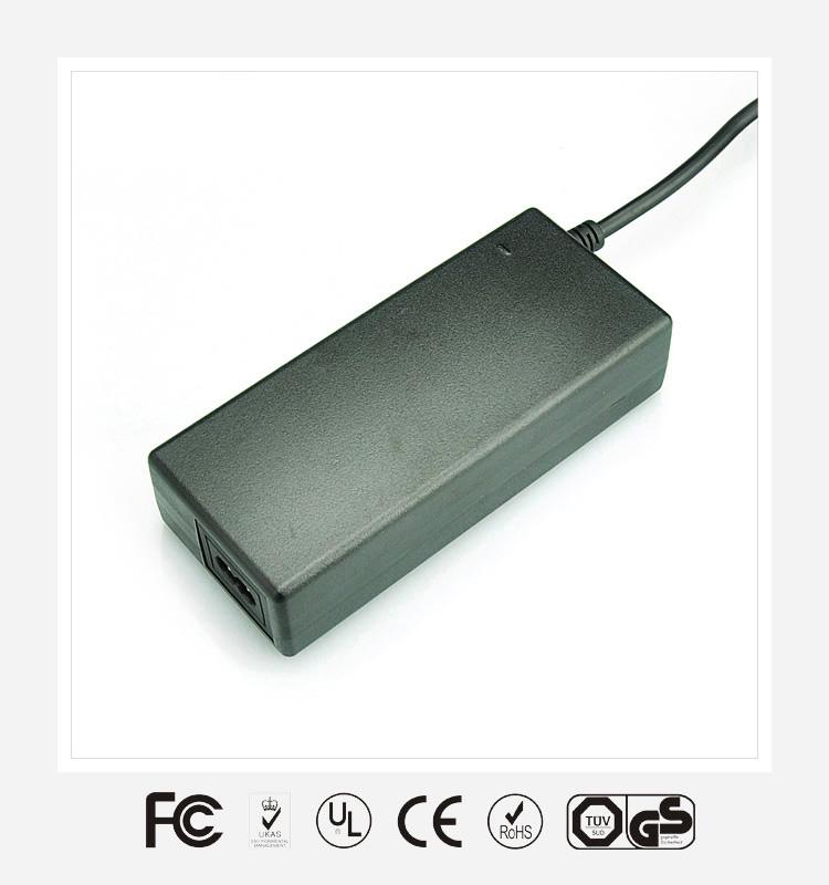 12V7A桌面式优质电源适配器