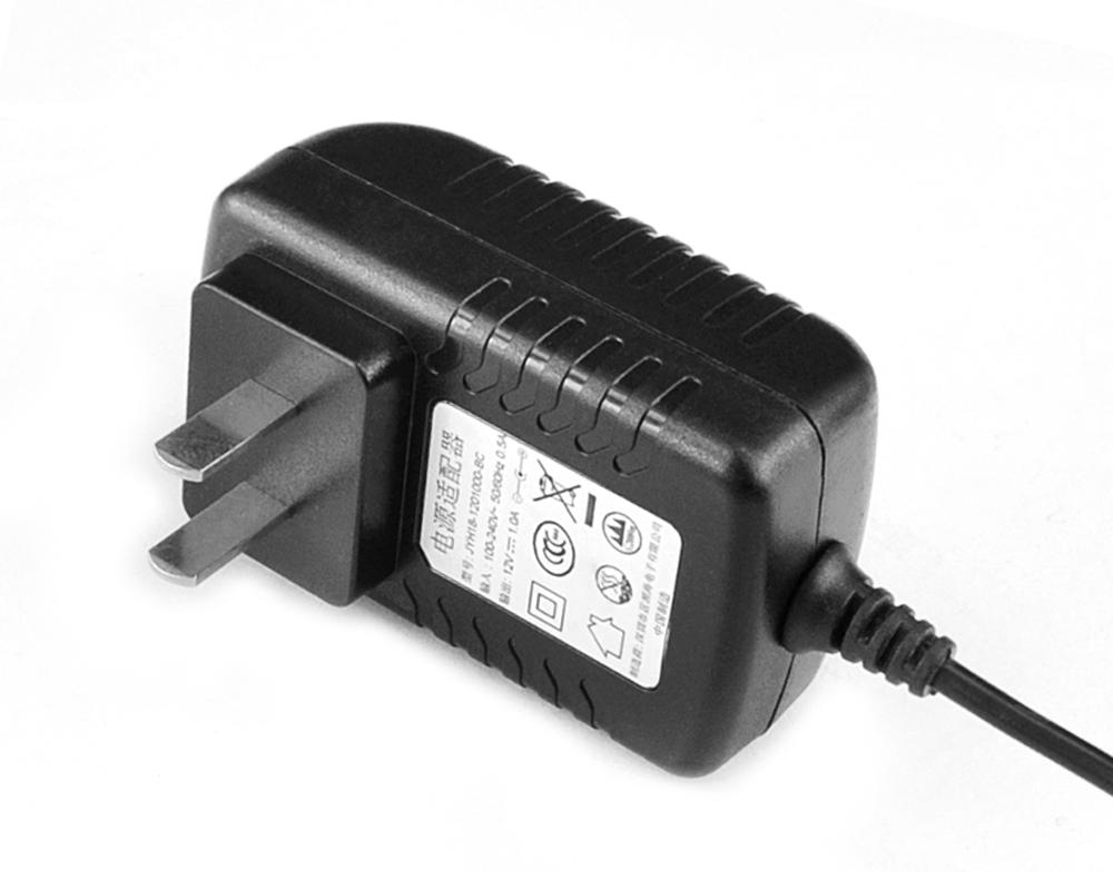 5V2.5A卧式中规优质电源适配器
