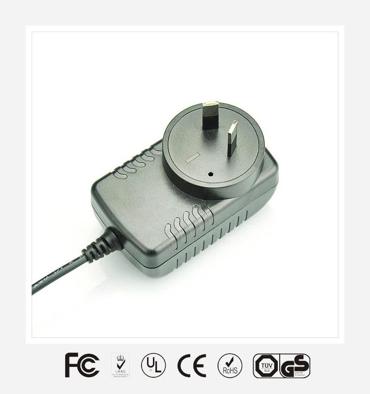 12V1A澳规卧式优质电源适配器