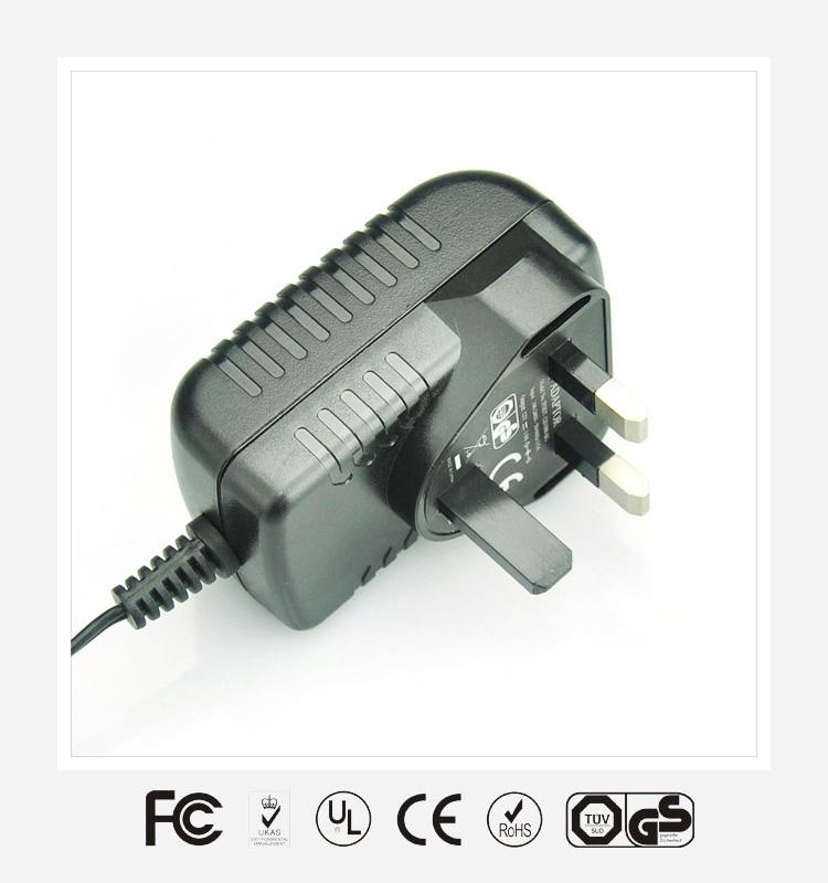 9V1.5A英规卧式优质电源适配器