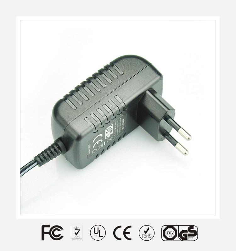 12V1.5A欧规卧式优质电源适配器