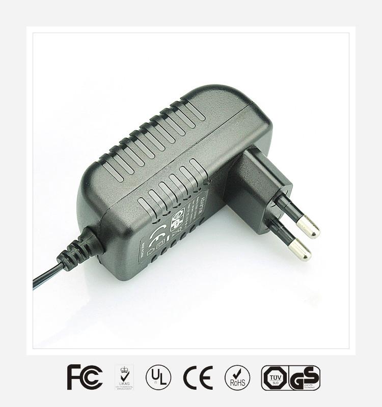 15V1A欧规卧式优质电源适配器