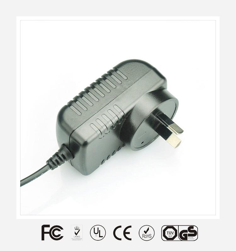 15V1A澳规卧式优质电源适配器