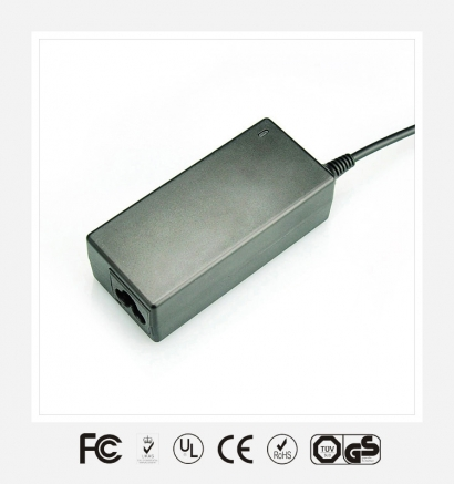 12V2A优质电源适配器