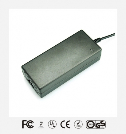 12V4A桌面式优质电源适配器