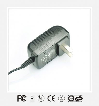 18V1A国标卧式优质电源适配器